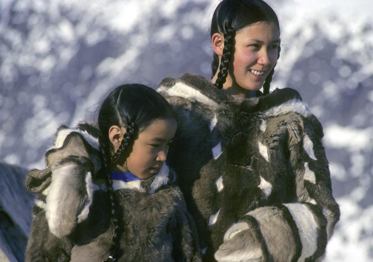 caribou skin clothing pangnirtung 1981 the nick newbery photo
